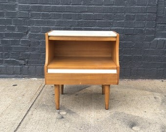 Pair of American of Martinsville End Side Nightstand Tables Beech with White Lacquer Accents