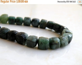 Clearance SALE Emerald Gemstone Briolette Faceted Cube 7mm 17 beads 1/2 strand