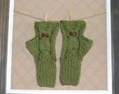 Moss Green Fingerless Owl Mittens