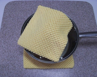 Pot Holder (One), Crocheted, Double Thick for Extra Protection – Yellow (Extra Large)