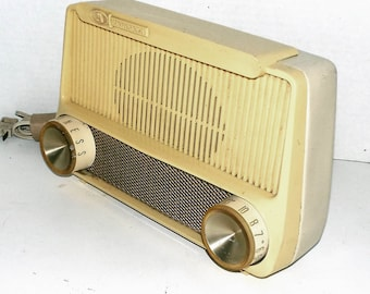 Ultra modern Motorola table radio, serviced with Warranty