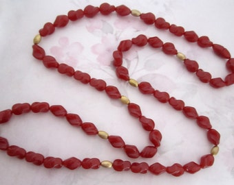 vintage plastic carnelian twist bead necklace w hidden clasp - j6159