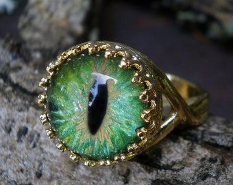 Gothic Steampunk Adjustable Cat Eye Ring in Green and Gold Plate