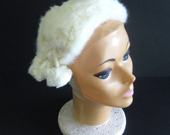 1950s White Fur Hat with Pom Poms / Winter Bride / Retro Wedding