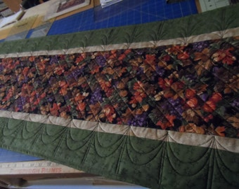Thanksgiving Christmas Custom Quilted Cotton Tablerunner for Home Decor