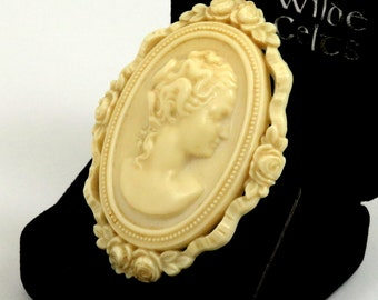 Art Deco Celluloid Cameo Brooch, Ivory Colored, Cream Colored, Early Plastic Cameo Pin, Vintage Cameo, Large Cameo, Oval Cameo