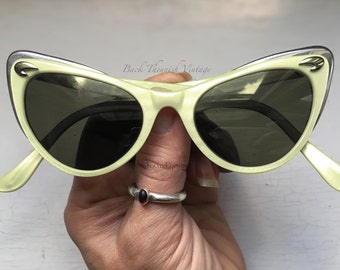 50's Atomic Pinup Boomerang Cat Eye Sunglasses Frames w Chrome Trim Pearlized Ivory Back Thennish Vintage