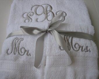 Mr & Mrs Monogram Wedding Towel Set- 2 Bath Towels, 2 Hand Towels