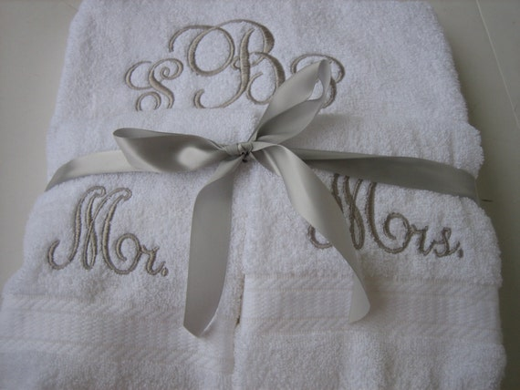 Mr mrs monogram wedding towel set 2 bath towels 2 hand for Mr and mrs spa