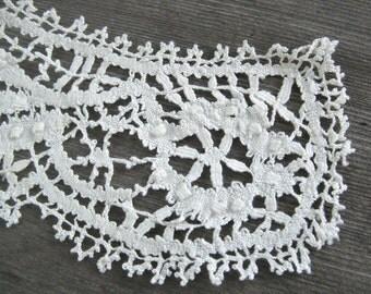 Vintage Collar, Bobbin Lace White, round, handmade, detachable, Bedfordshire trim A