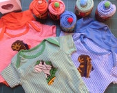 Onesies bodysuit with Africa appliqué presented as a cupcake in gift box 3-18 months