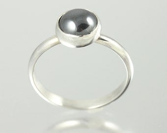 Sterling Silver Hematite Cabochon Ring - Size 8.25