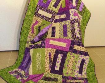 Lilacs Throw Quilt / Lilacs Sofa Quilt / Purples / Lilacs / Green / Handmade / Lap Quilt