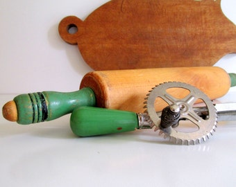 Vintage Jadeite Green Wood Rotary Hand Egg Beater Wood Rolling Pin Green and Black Handle