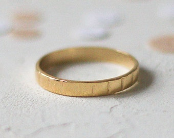 14k Gold Notch Ring, Gold Wedding Ring, Unique Notched Solid Gold Wedding Band, Thin Yellow Gold Stacking Ring, Textured Wedding Band