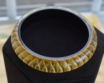 Pretty Vintage Gold Acrylic, Plastic Bangle Bracelet