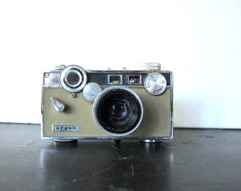 vintage Argus Camera for display Prop Mod Retro Book Shelf Decor Photography Photo Pictures
