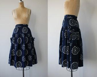 vintage 1970s skirt / 70s navy blue tiered ruffle skirt / 70s batik print skirt / floral boho skirt / 70s cotton skirt / 25 waist small