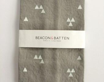 Triangle Towel : Dove Ground - White Print