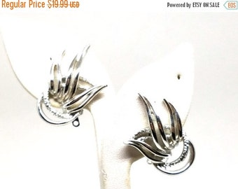 50% OFF Emmons Vintage Earrings Silver tone Abstract Clip On