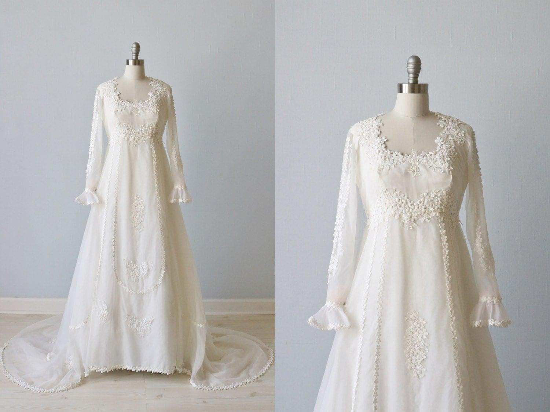 Vintage 1970s Wedding Dresses / Vintage 70s Wedding Gown