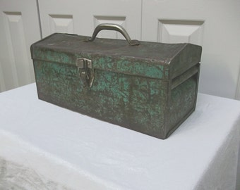 Vintage Rusty Aqua Green Toolbox with Great Aged Patina - FREE SHIPPING, Shabby Cottage Farmhouse Chic