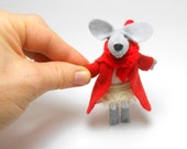 Red felt heart plush Valentine for kids animal brooch jewelry tiny felted mouse  accessories girlfriend gift    pre teen gift kawaii