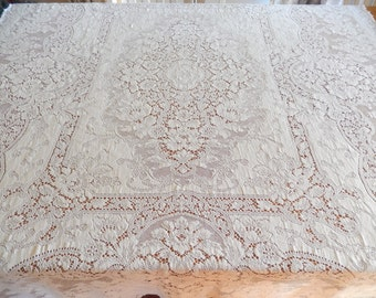 quaker lace tablecloth, vintage,  rectangular, 65 x 55 inches, ecru color, home decor, dining and entertaining, table linens
