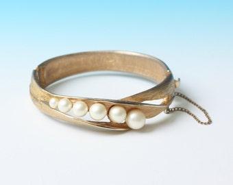 Chunky Faux Pearl Bracelet Hinged Design Bangle Vintage