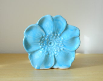 mccoy pottery flower wall pocket