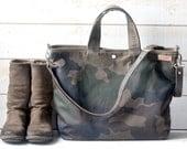 Camouflage Waxed Canvas tote / Carry all Leather bag Diaper bag /Messenger bag  Work bag /Leather straps / Men messenger /Travel bag /Zipper