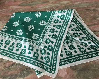 Vintage 70s Scarf Green and White Summery Floral