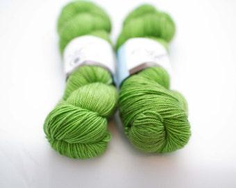magnolia sock 'Spring Greens'