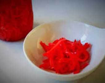 Handmade red ginger/saffron scented palm wax candle