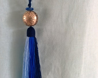 Morocco tassel blue necklace, ombre blue necklace, tribal necklace, tassel jewelry, recycled glass jewelry, boho jewelry, ethnic jewelry