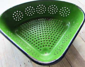 Wonderful Vintage Sink Strainer - Enamel - Green with Cobalt Edge