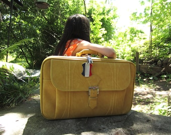 "Vintage 1975 American Tourister Escort Yellow Mustard 22"" Carry On Luggage"