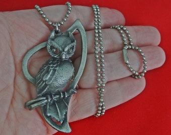 """Vintage 24"""" silver tone necklace with 2.5"""" OWL pendant in great condition"""
