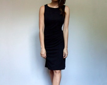 90s Black Dress Minimalist Dress Vintage Sleeveless Knee Length Ruched Dress - Extra Small XS