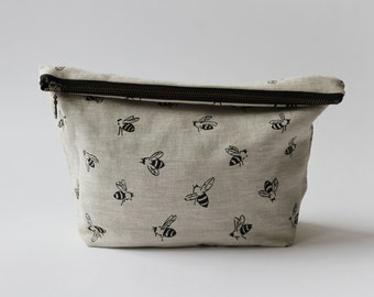 Traveler Pouch - Black Honeybees
