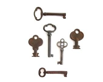 6 vintage skeleton keys, antique skeleton keys, primitive keys, old keys, antique keys, jewelry keys old skeleton keys skelton key bit  #1