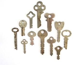 12 keys, key collection, wholesale keys, lots of keys, jewelry keys, craft, odd keys, diy, key assortment, real, authentic, old, weird, 7