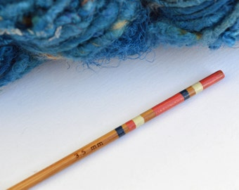 Crochet Hook Size E - Hand Painted Bamboo Crochet Hook - UK Size 9 (3.5mm)