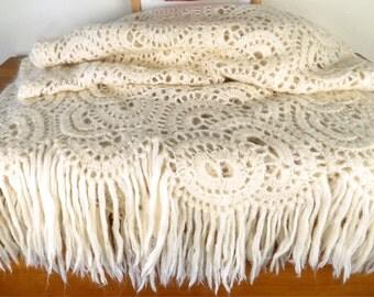 Vintage afghan wool afghan shawl, Cashmere Shawl, Crochet Wool shawl, boho afghan, Bohemian fashion, Beige fringe shawl, Ellegant Shawl
