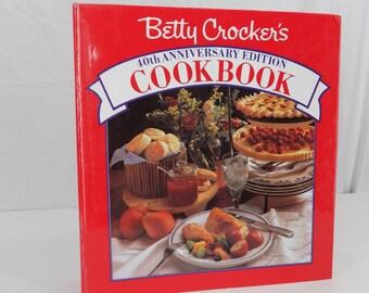 Betty Crocker Cookbook 40th Anniversary 5 Ring  Binder 1991