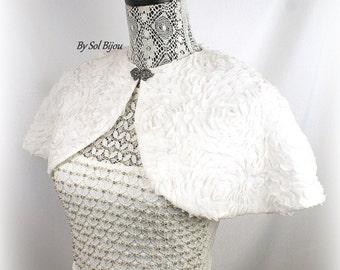Wedding Cape, Off White, Ivory Cape, Bridal Cape, Vintage Style, Elegant Wedding, Chiffon Cape, Shrug, Capelet, Bolero, Silver Clasp, Lace