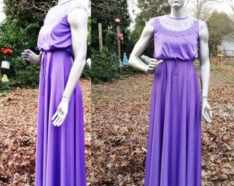 70s Prom Dress in Purple Double Knit/ Vintage Dress/ 70s Dress/ 70s Bridesmaid Dress Size 6-8