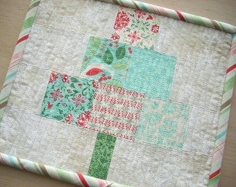 everygreen Christmas tree mini quilt snack mat - FREE SHIPPING