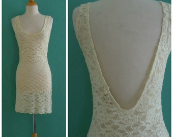 80's cream lace night gown  //  floral lace sheer fitted nightie with low back ~ small medium