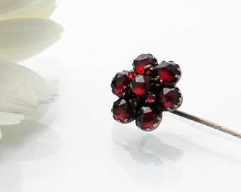 Victorian Pin Garnet Flower Pin | Antqiue Bohemian Garnets | Crimson Red Pyrope Garnet Pin | Antique Garnet Daisy Cravat, Hator Lapel Pin